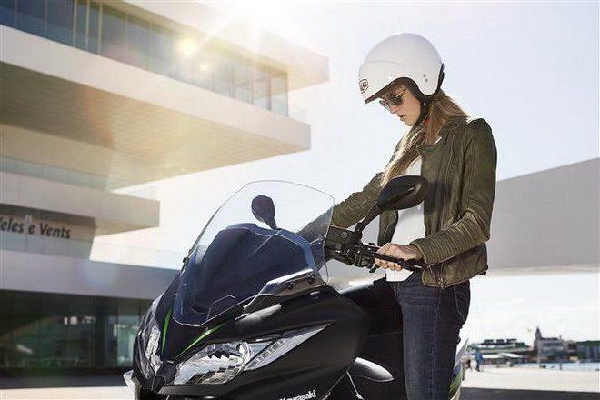 Llega a Arimanymotor la nueva scooter Kawasaki J125