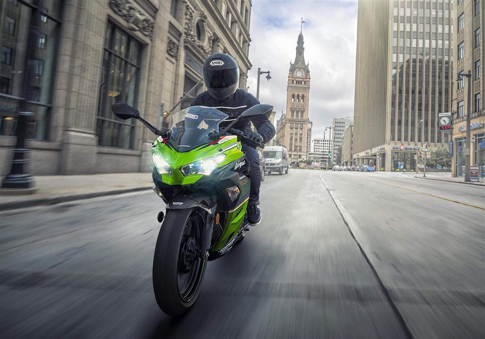 Conducción segura de la motocicleta durante COVID-19